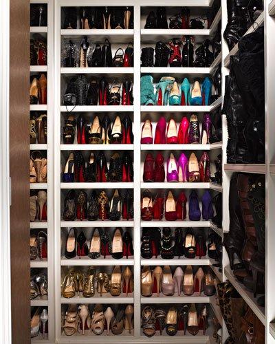 082511-khloe-shoes-400