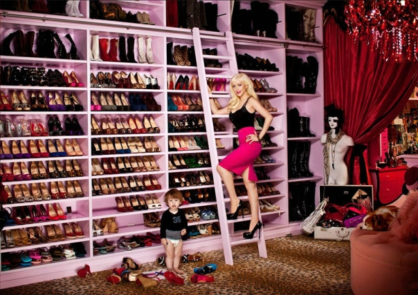 christina-aguilera-shoe-closet1