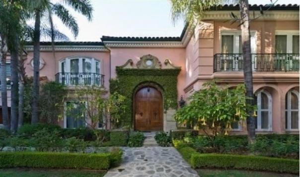 Christina-Aguileras-house-513-Doheny-Bev-Hills-611x383